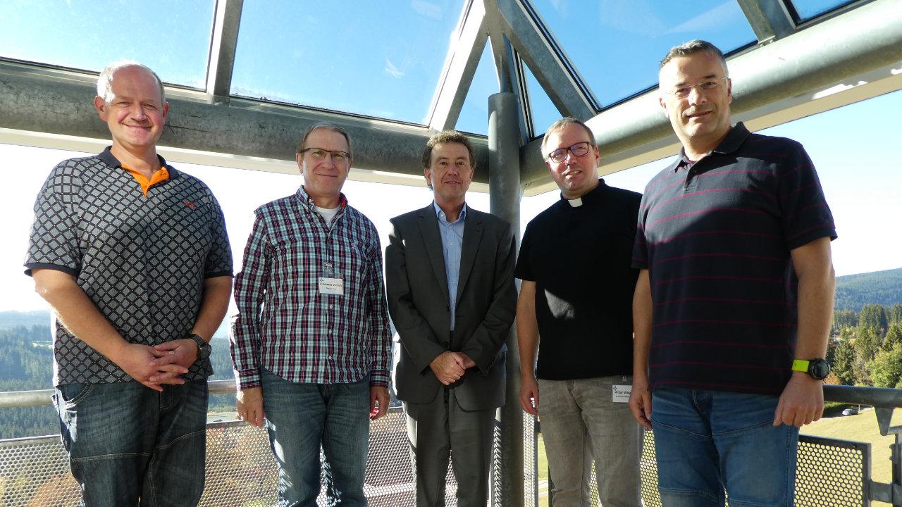 Foto: Von links nach rechts OTL Gereon Gräf, OTL Johannes Witsch, Prof. Dr. Karl-Heinz Braun, LMD Artur Wagner, OTL Martin Karl; Fotograf: OTL Martin Karl