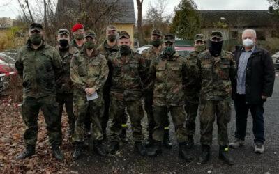Besuch der abgestellten Soldaten beim Gesundheitsamt Amberg